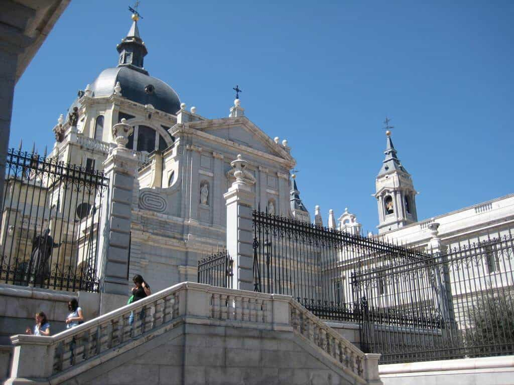 Cathedrale-Almudena-Madrid