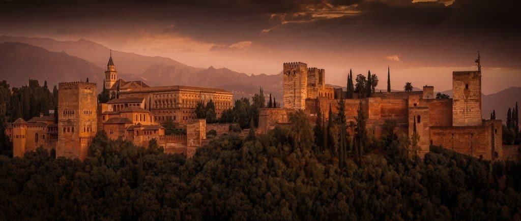 alhambra-2428790_1920