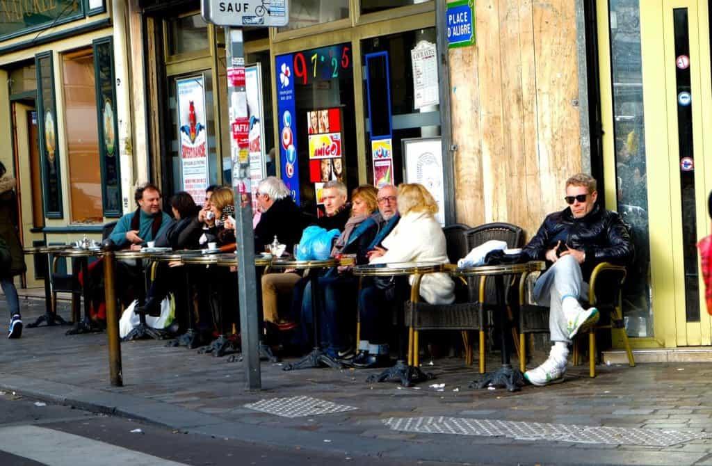 cafes parisiens